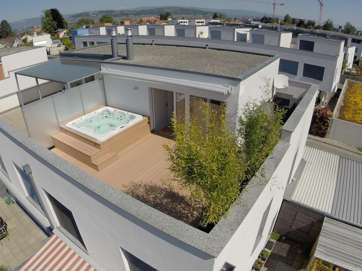 Terrasse attique avec entourage Spa5