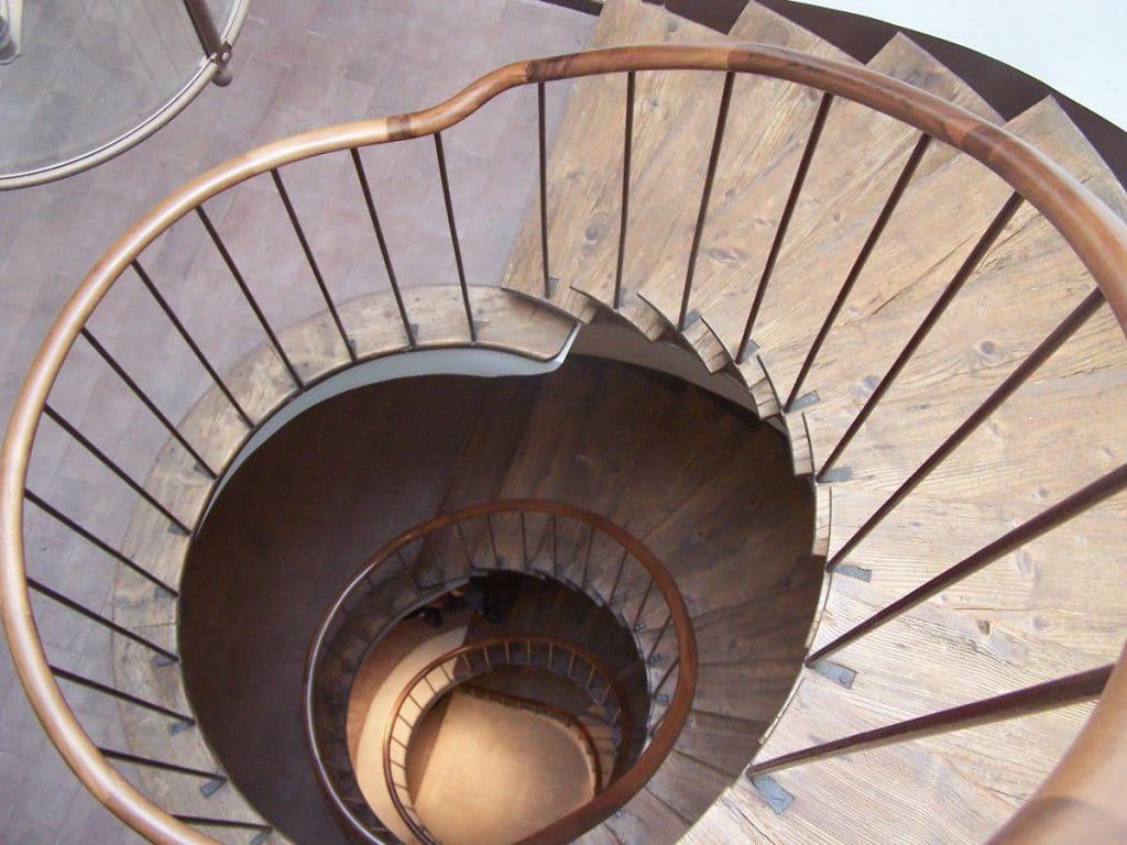 Escaliers à colimaçon en bois