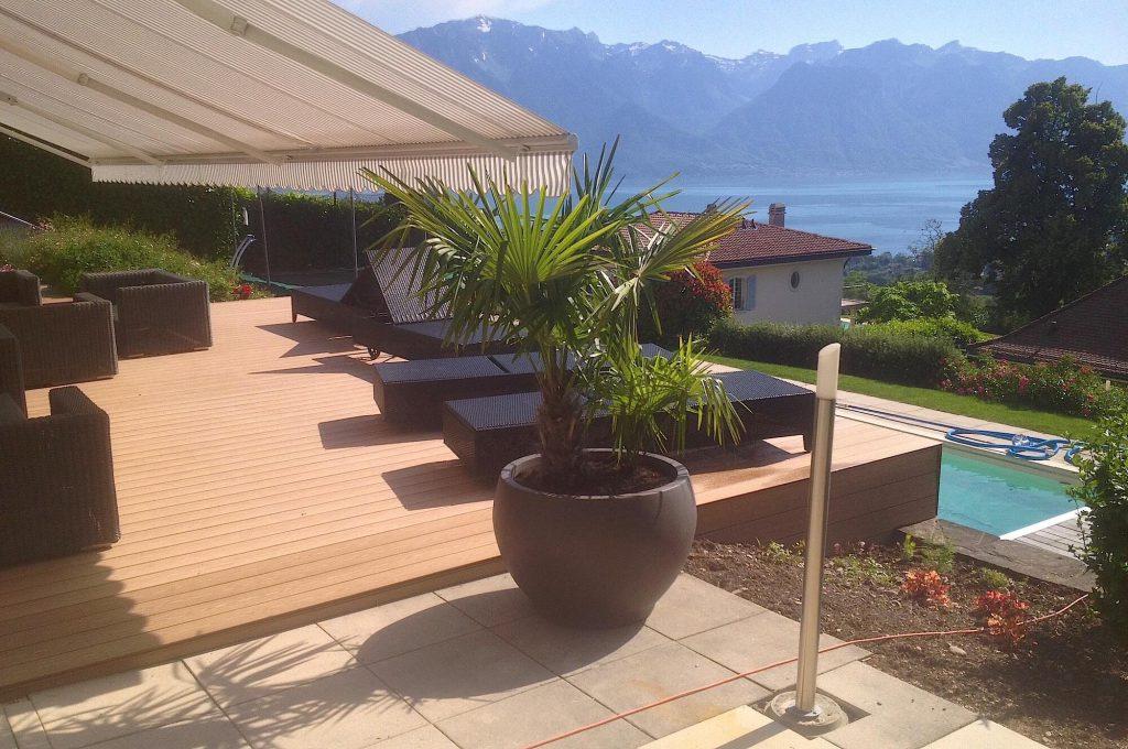 terrasse en bois composite avec vue sur le lac