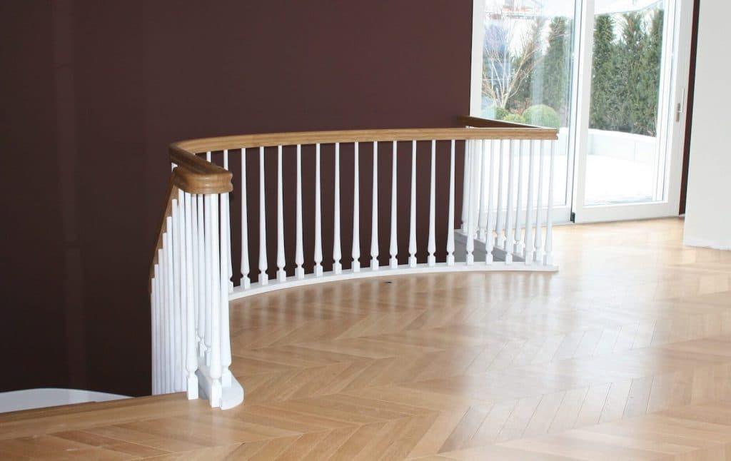 parquet chêne massif avec escalier