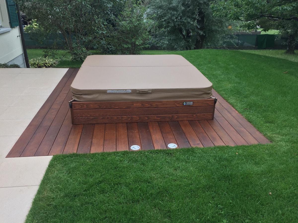 Entourage Spa en bois 1