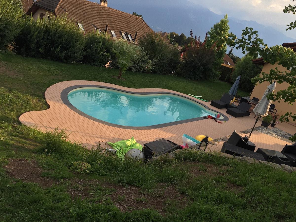 Entourage piscine en bois composite avec terrasse 4
